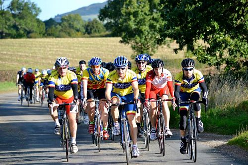 The peloton in the lead up to Clay Bank' left to right: Mick 'Full Tilt' Storey, Simon Coates, Dave Kirton (on a rare turn on the front!), Dave Williams, Steve Murphy, Graeme Tate.
