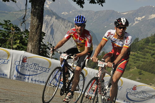Dave (left) and Graeme practising on Alpe d'Huez